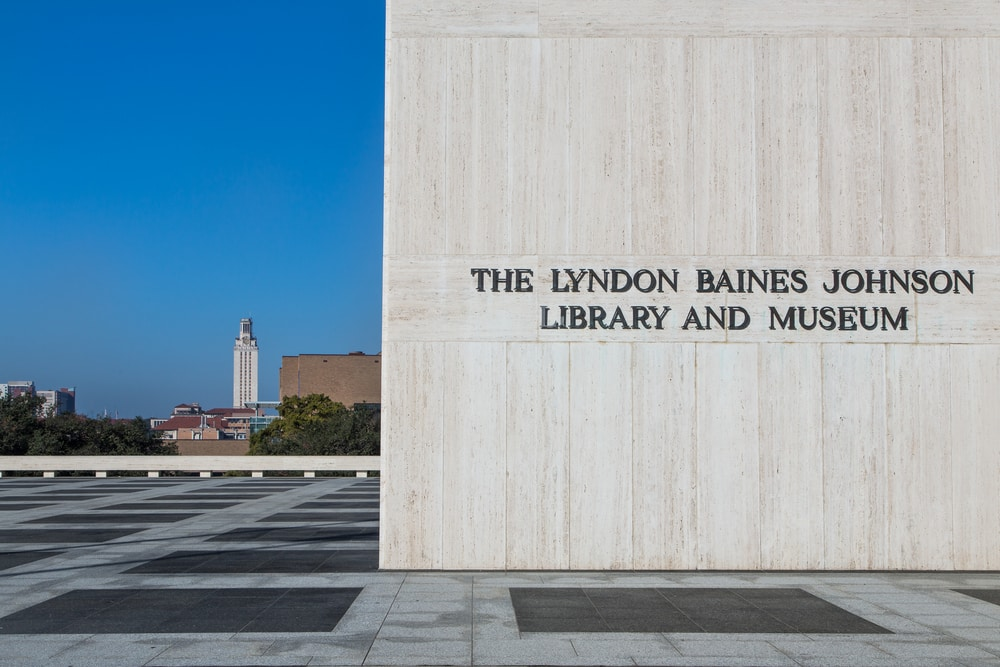 lyndon-barnes-johnson-library-and-museum