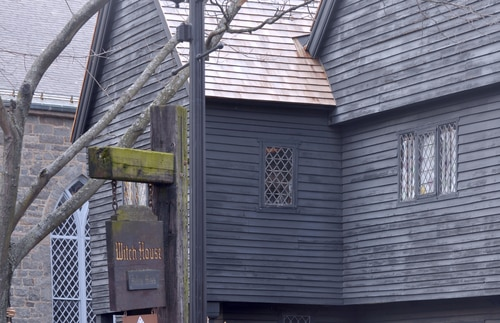 salem-witch-house-haunted-city