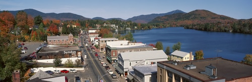 downtown-lake-placid-new-york-winter