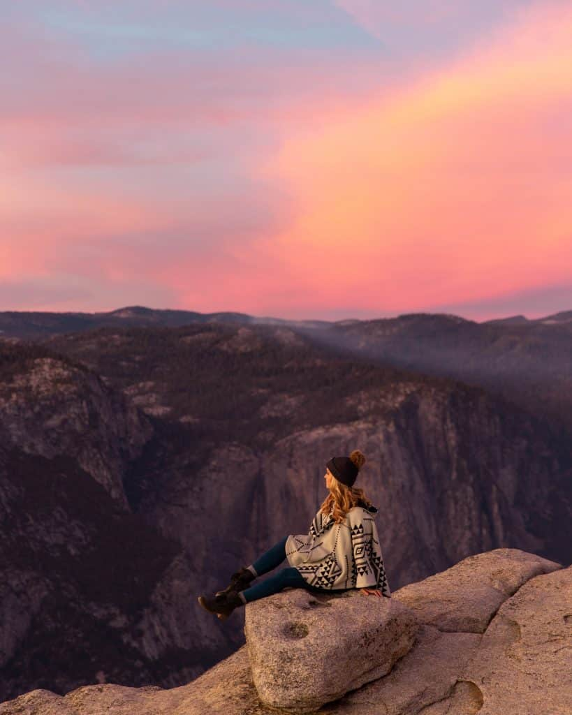 taft-point-yosemite-sunset