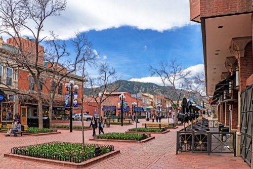pearl-street-boulder-colorado-travel-itinerary