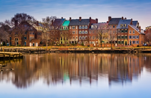 alexandria-virginia-river-reflections-travel-itinerary