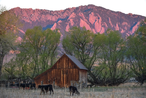 boulder-colorado-sunrise-travel-itinerary