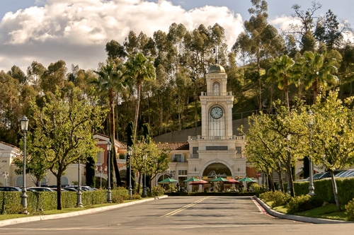 calabasas-commons-downtown-california