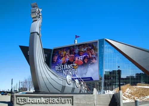 us-bank-stadium-viking-ship