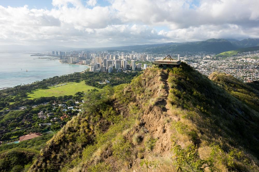 diamond-head-hike-peak