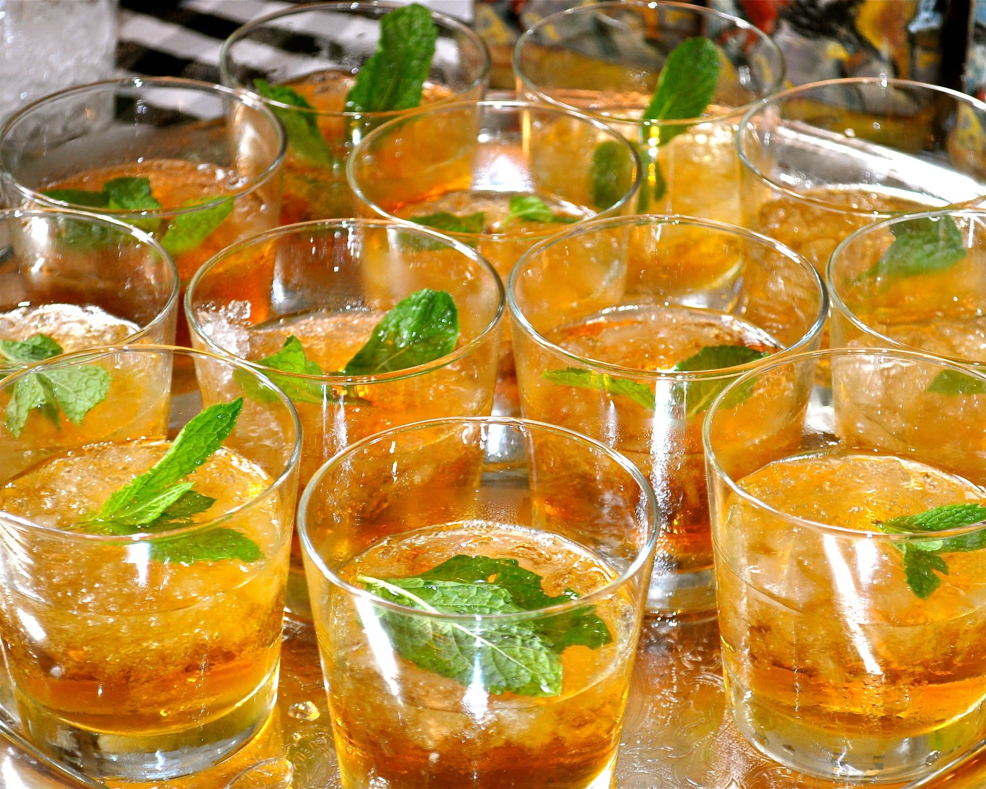 Mint juleps, mint, alcohol
