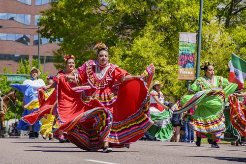 denver-cinco-de-mayo-parade