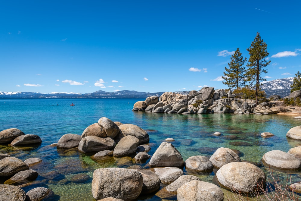 blue-waters-in-lake-tahoe