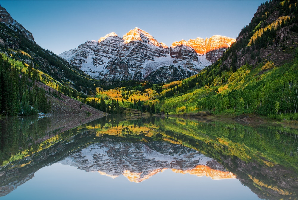 rocky-mountains-reflecting-on-lake