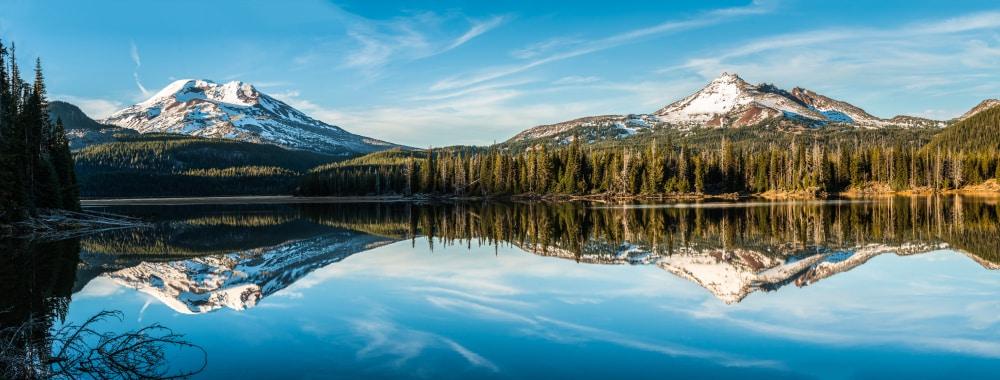 bend-oregon-mountains-and-lake