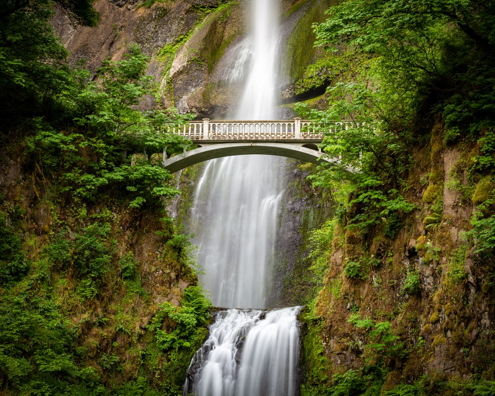 multnomah-falls-with-benson-bridge