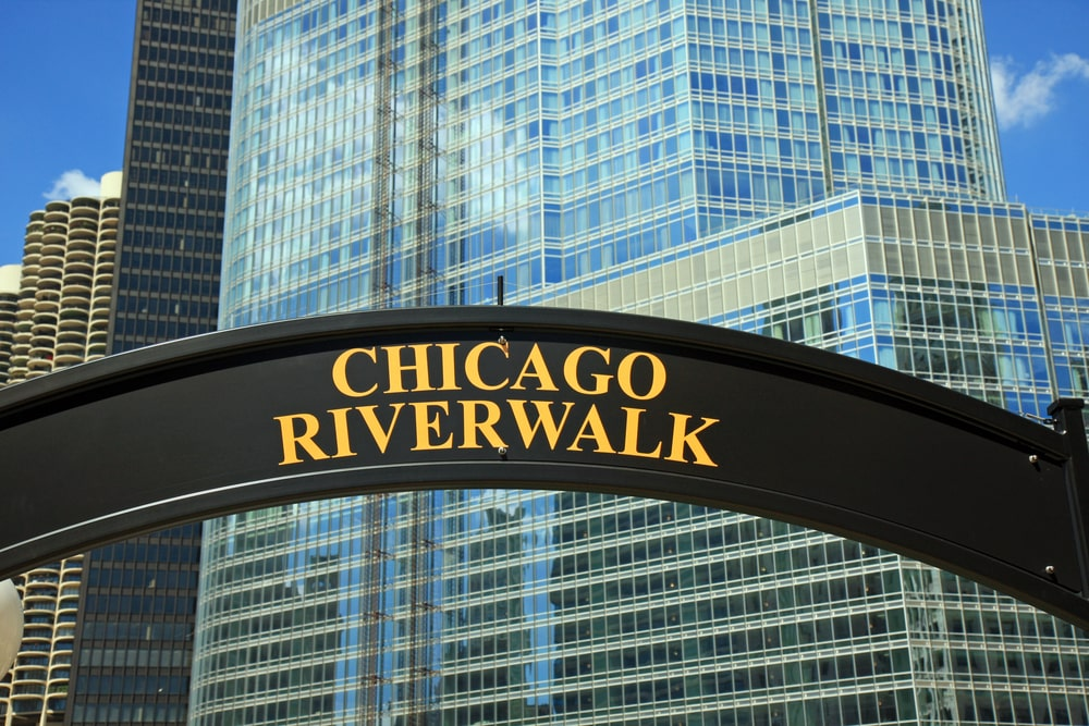 chicago-riverwalk-sign