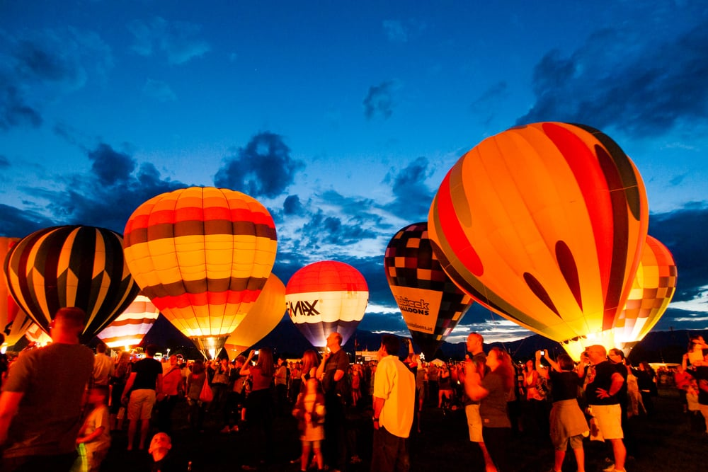 colorado-springs-hot-air-balloon-glow