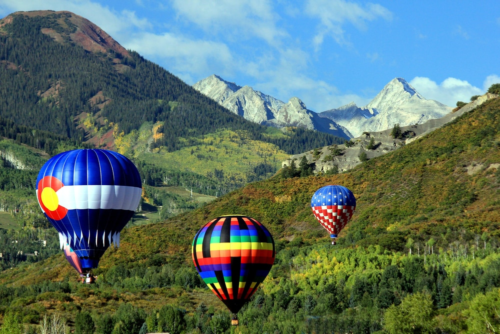 hot-air-balloons-flying-over-snowmass