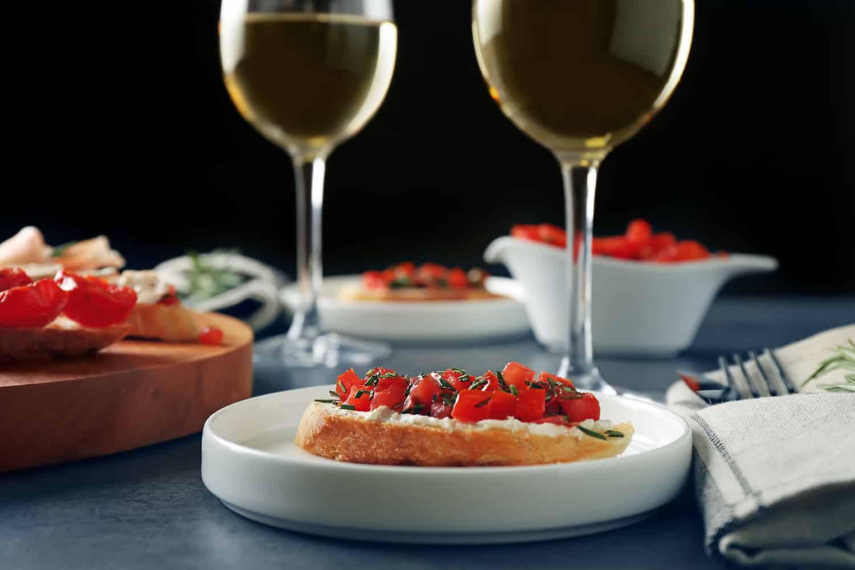 wine-and-bruschetta