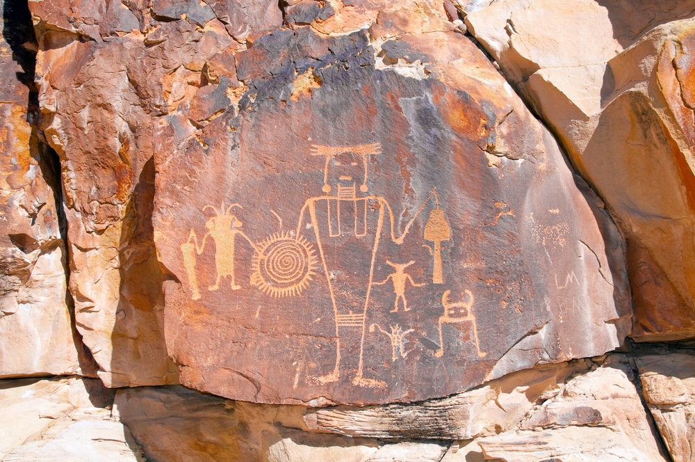 petroglyphs-in-dinosaur-national-park