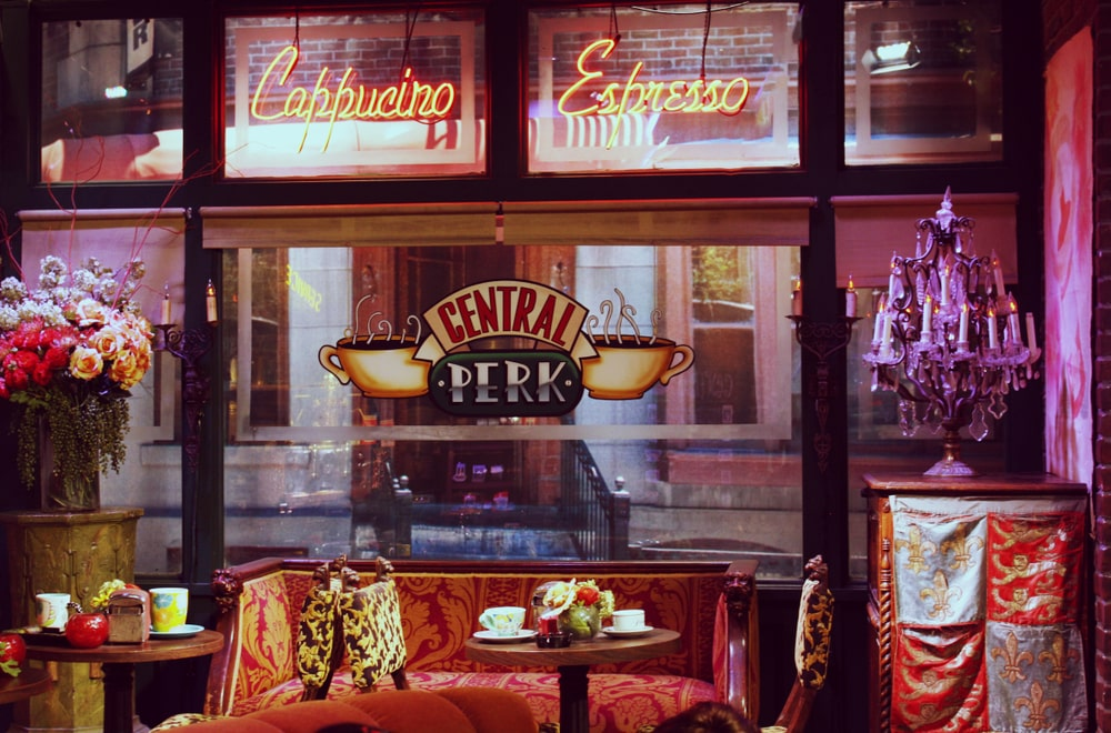 friends-central-perk-window