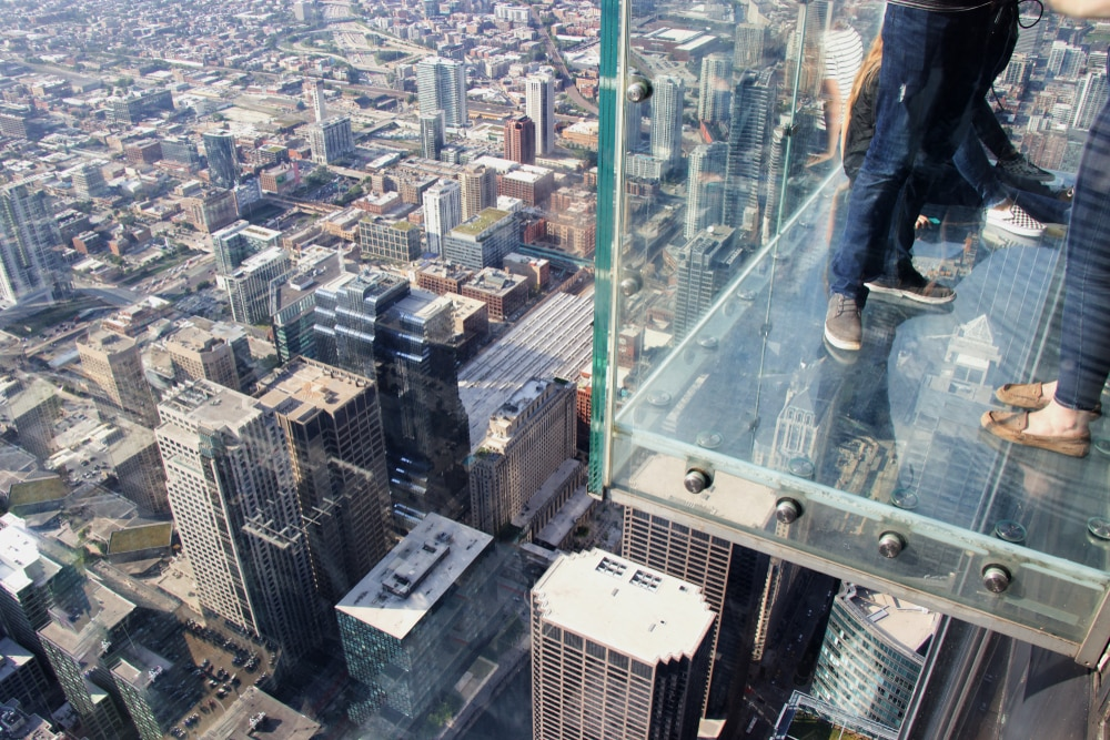 chicago-skydeck-side-view