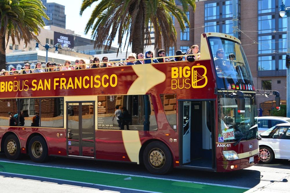 double-decker-bus-in-san-francisco