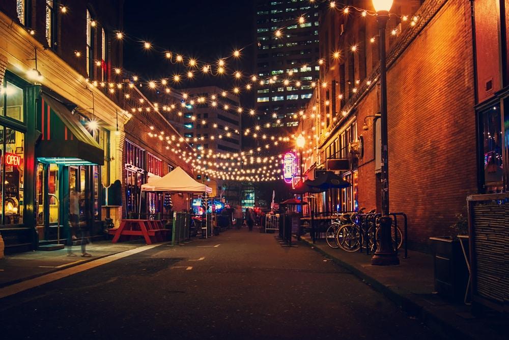 portland-alley-string-lights