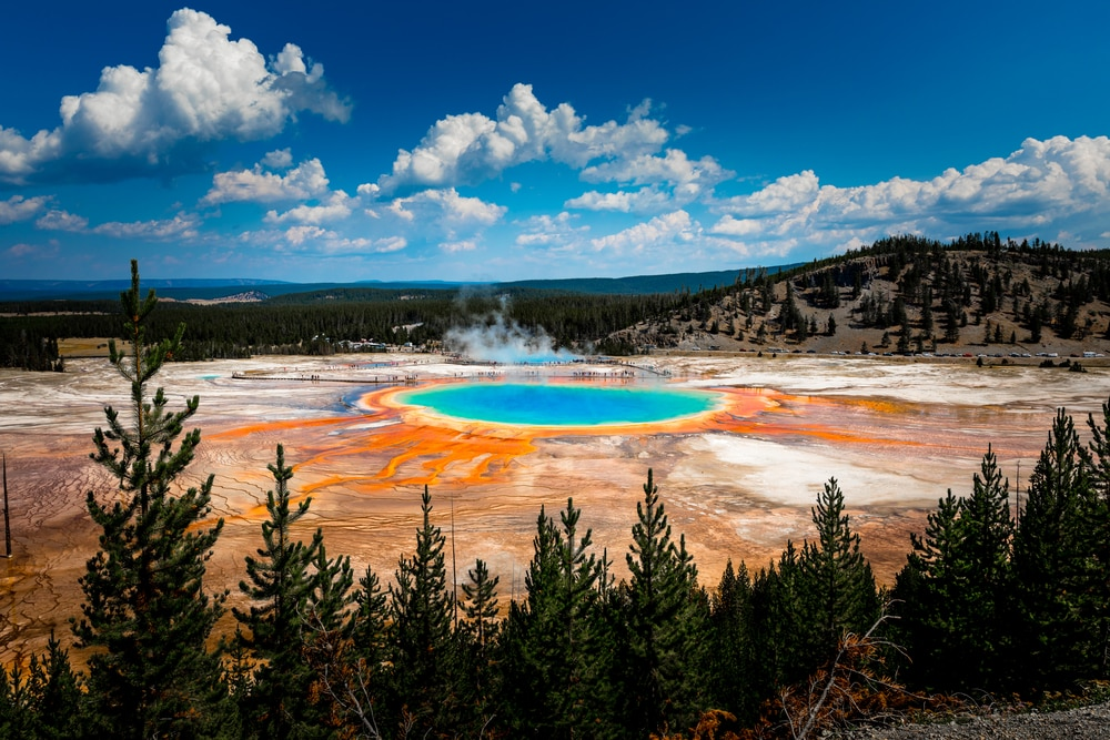 grand-prismatic-spring-at-yellowstone