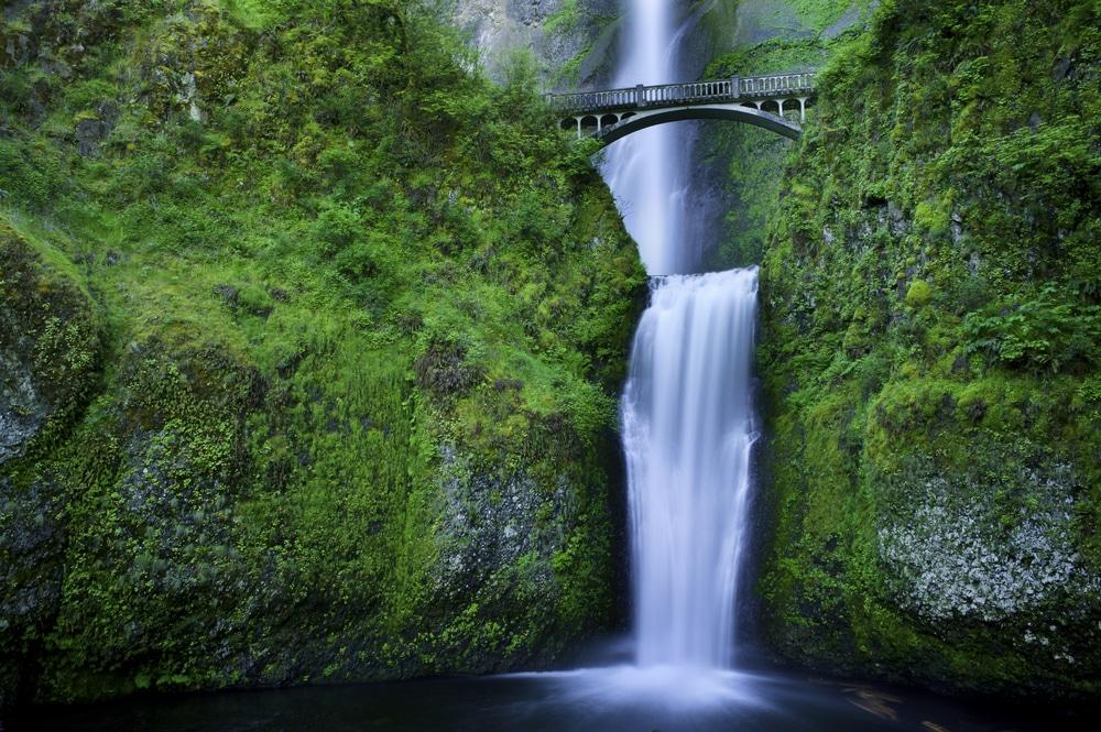 mutlnomah-falls-oregon