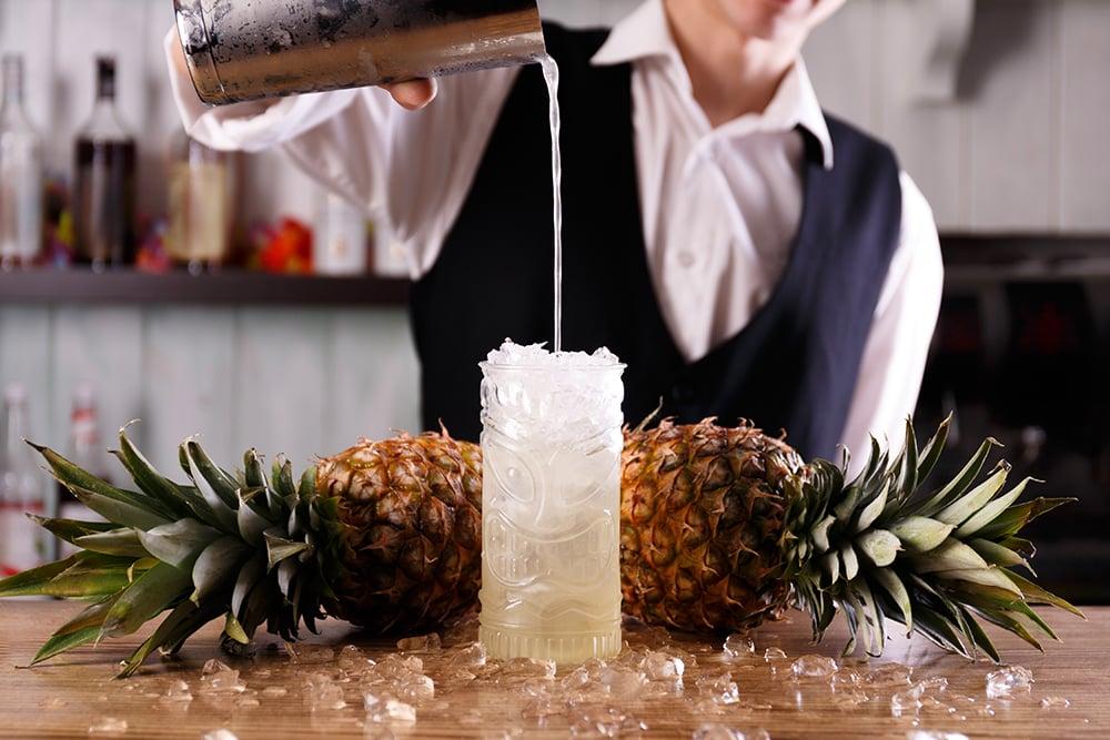 bartender-making-pineapple-cocktail