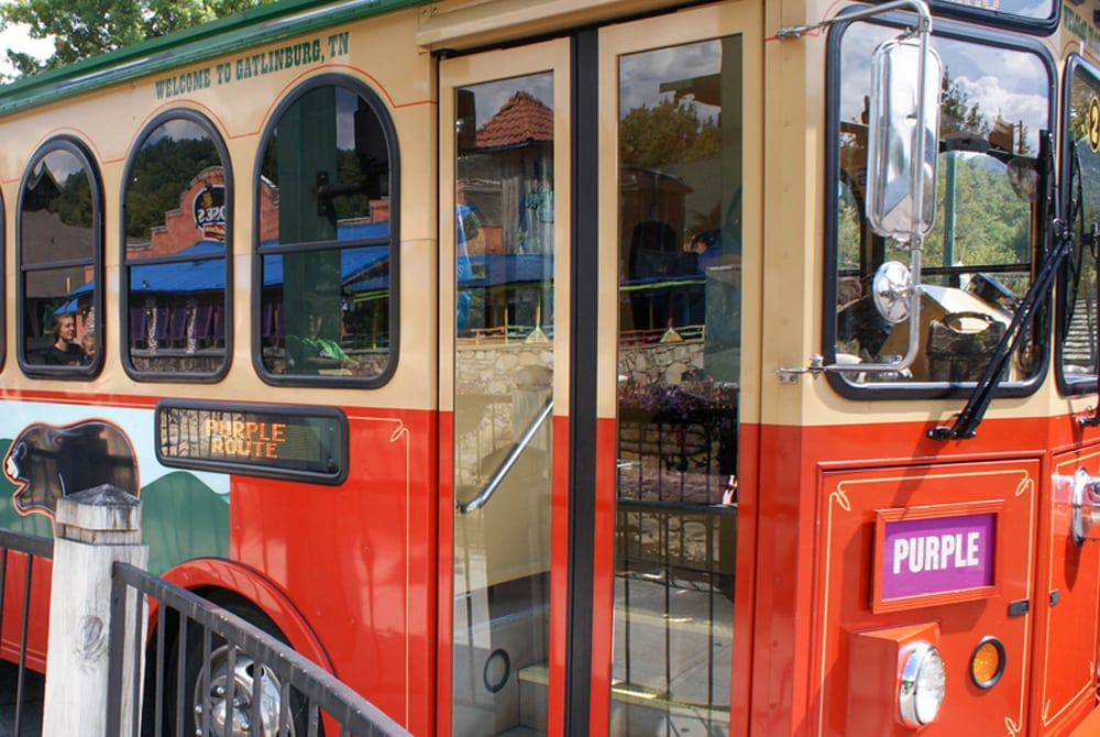 gatlinburg-trolley