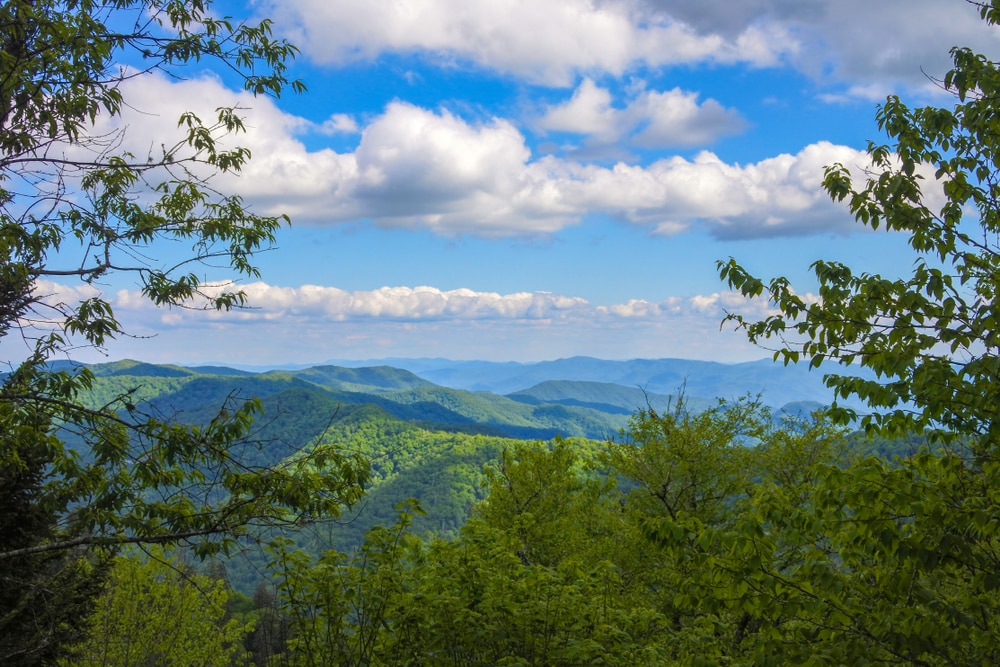 gatlinburg-mountain-range-view