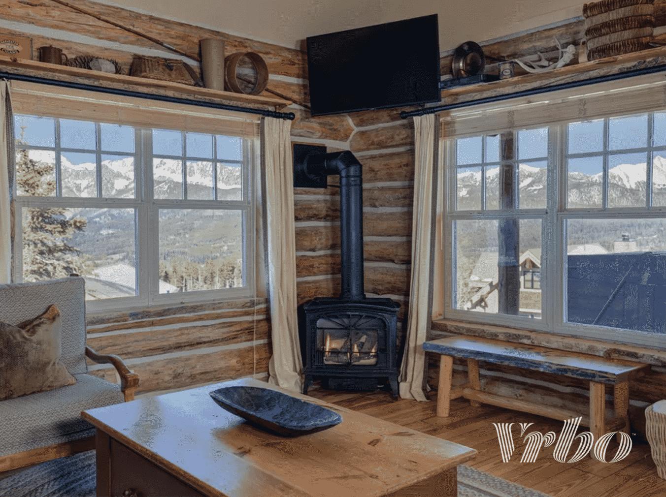 vrbo-big-sky-cabin-living-room