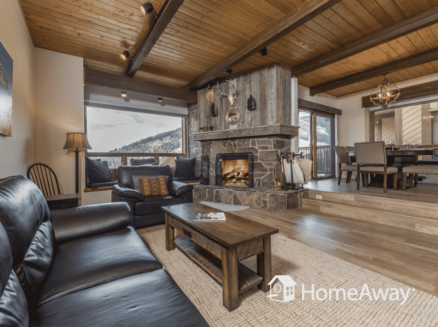 homeaway-big-sky-room-with-fireplace