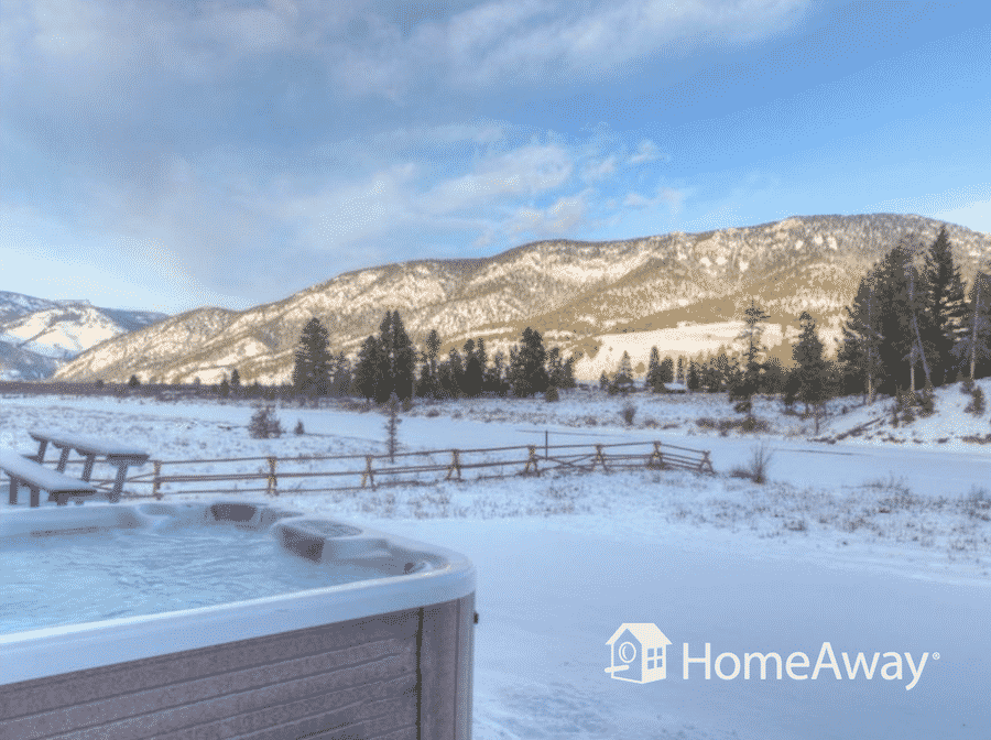 big-sky-hot-tub-in-snow
