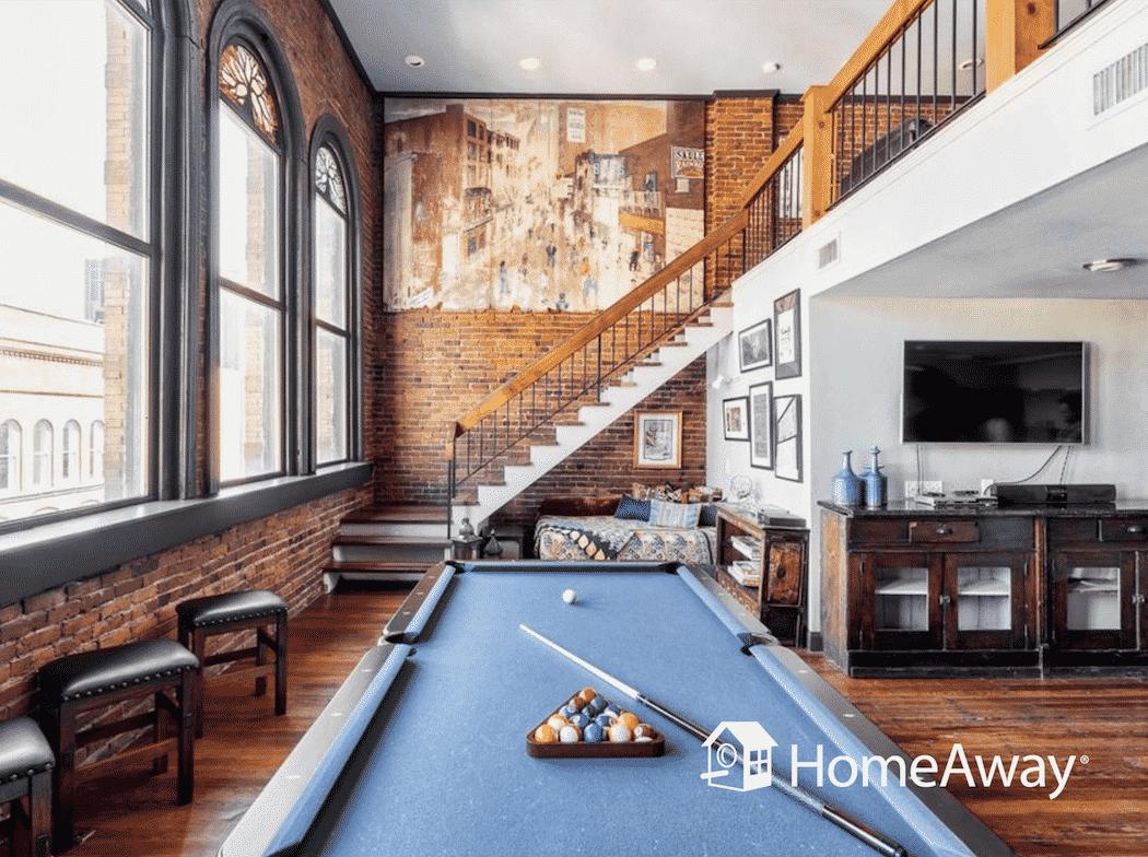 homeaway-pool-table-loft