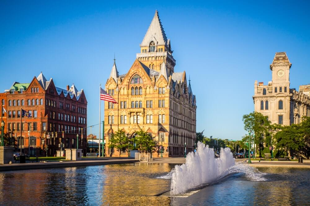 syracuse-buildings-and-fountain