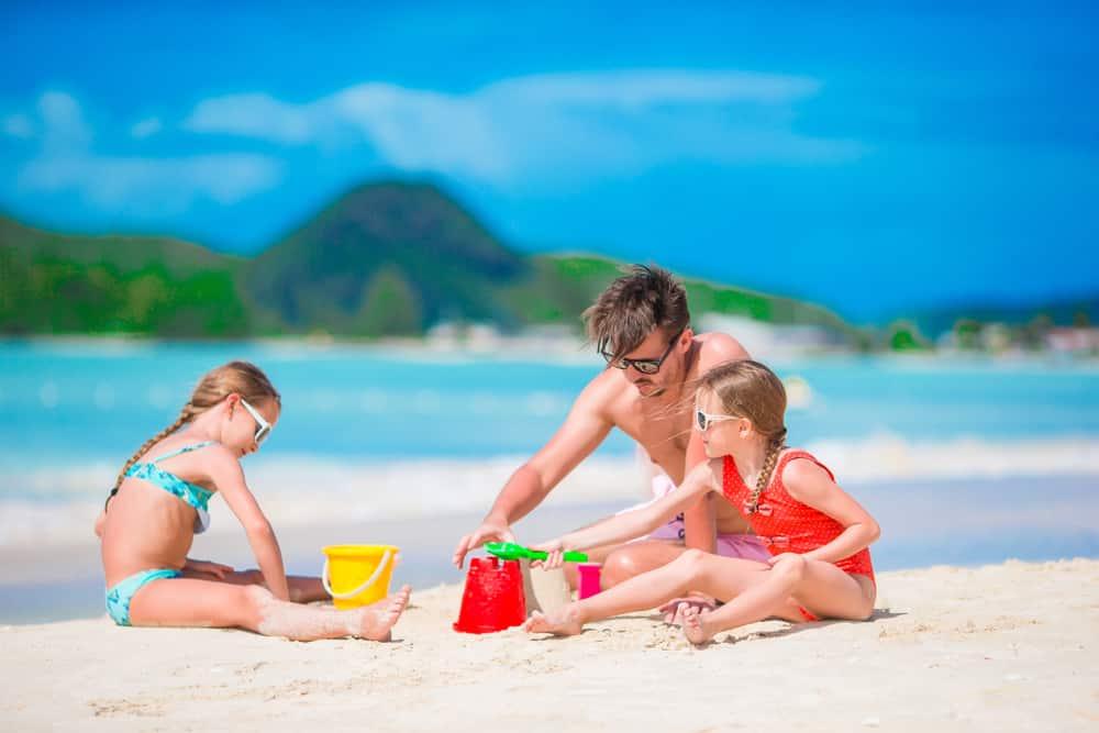 family-making-sandcastles