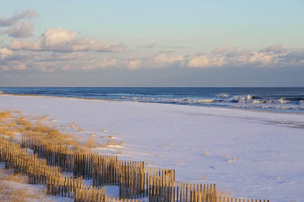 sunrise-on-beach-in-hamptons
