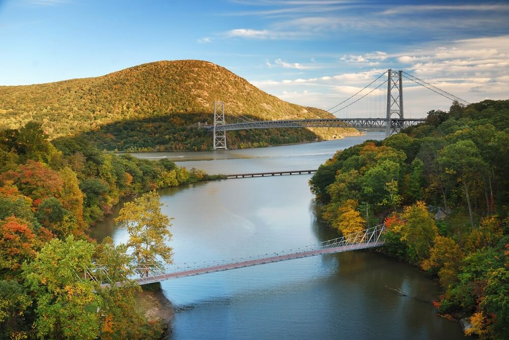 hudson-river-valley-in-fall