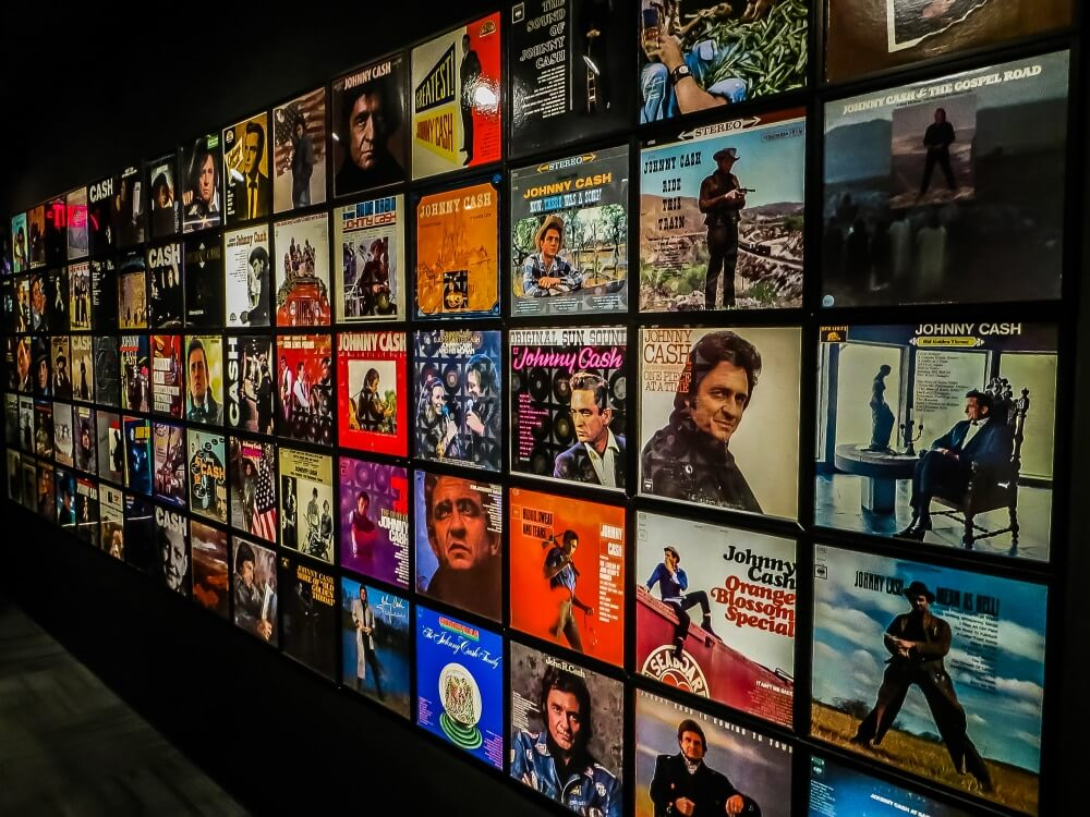 johnny-cash-museum-wall-of-albums