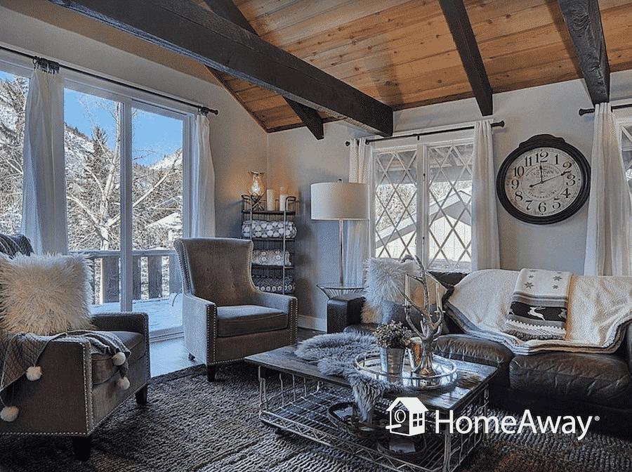 homeaway-living-room-view