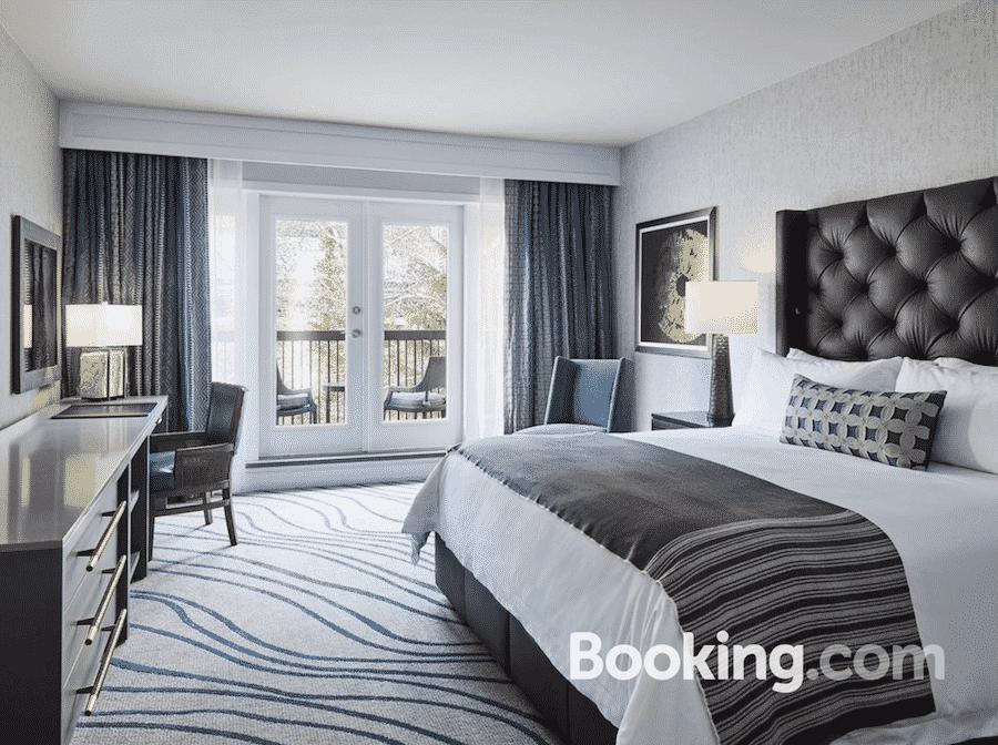 vail-hyatt-bedroom