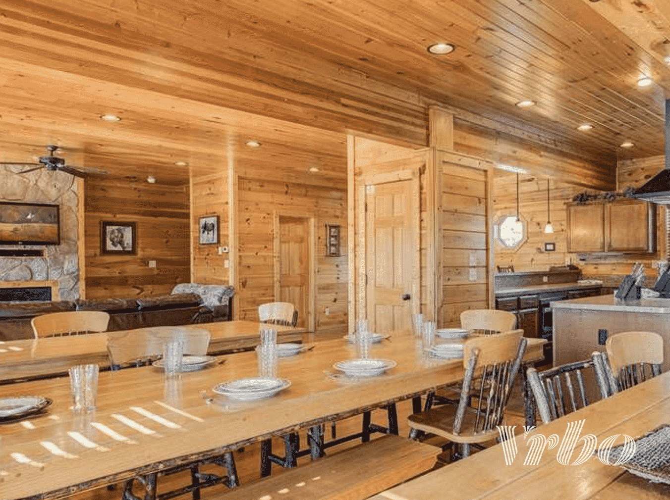 vrbo-gatlinburg-dining-room