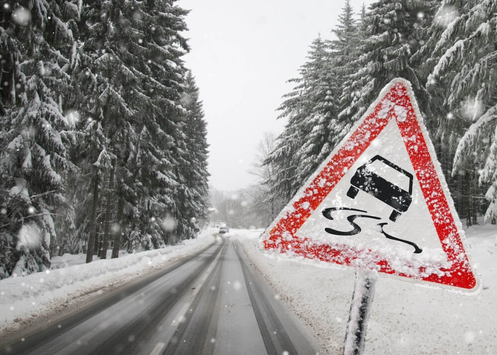 road-sign-in-snow