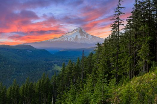 mount-hood-colorful-sunset-views